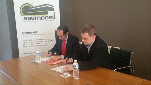 Firma del acuerdo de colaboración Asemposil-Applus+